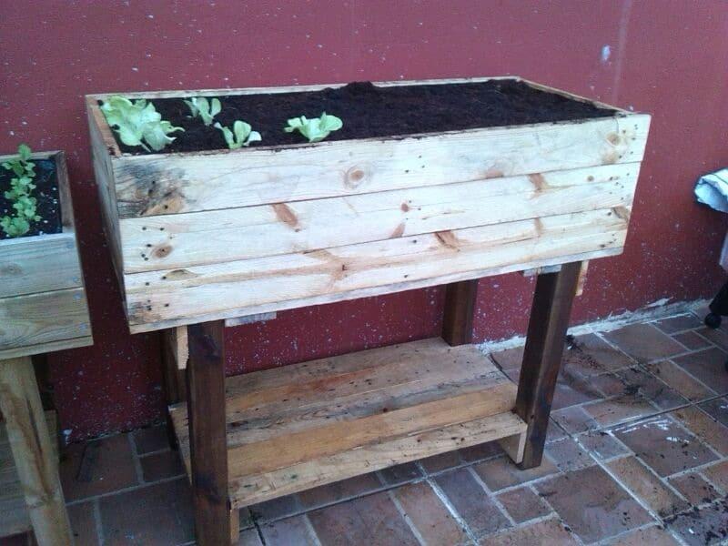 Como hacer una mesa de cultivo con palets la huertina de - Como hacer una mesa con palets ...