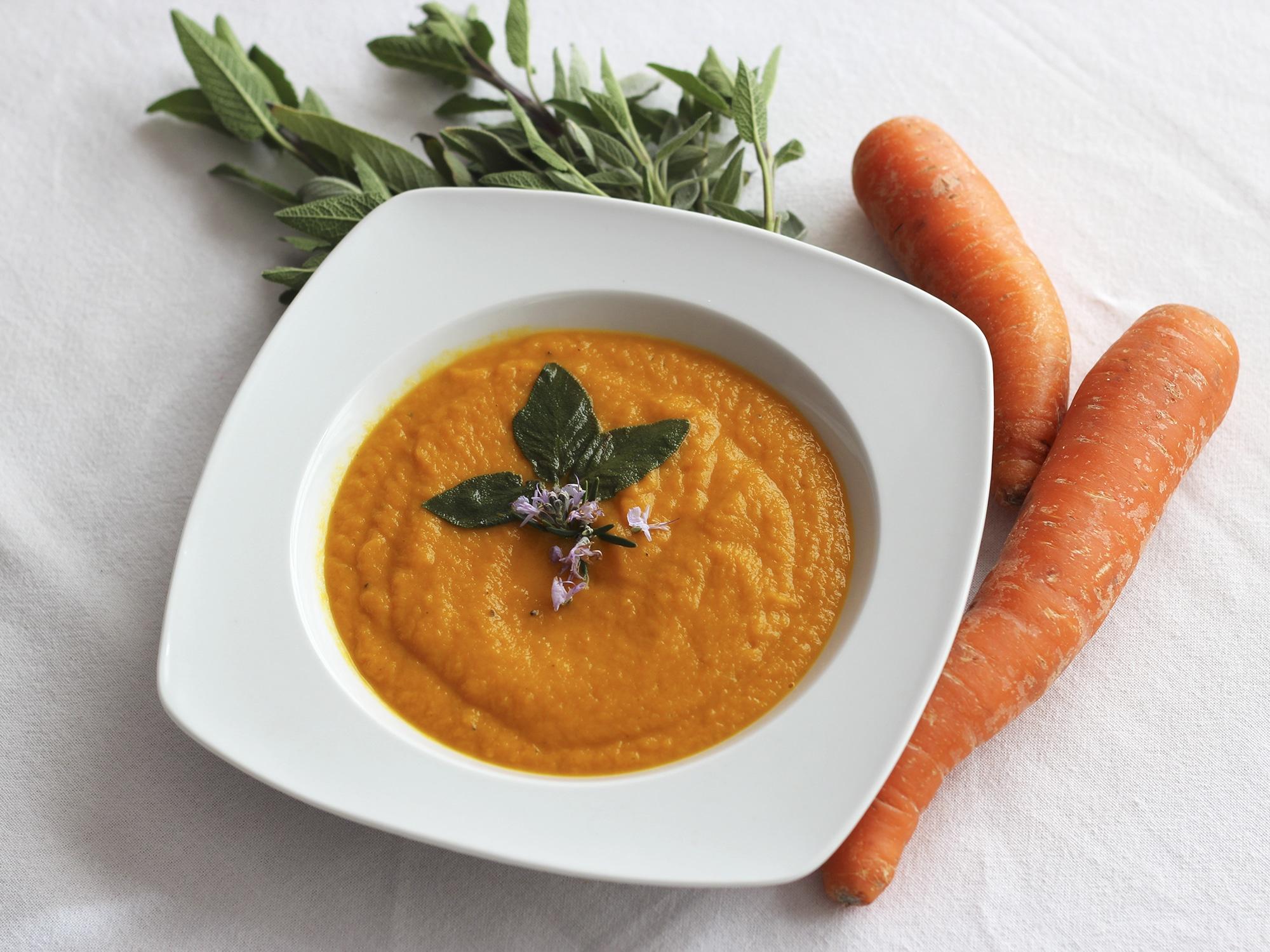 Crema de zanahoria y salvia